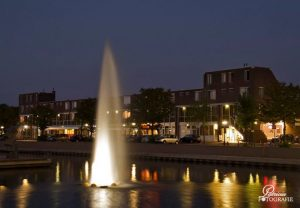 De fontein in de aanloophaven is een grote aanwinst voor winkelcentrum Oostermeent.