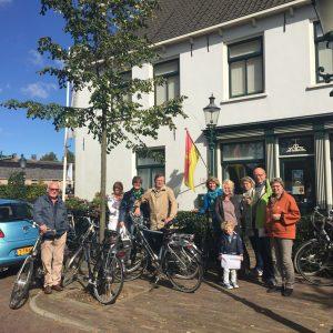 In 2015 had CDA Huizen de primeur om te fietsen langs de Huizer buitengebieden.