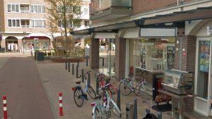 Winkelcentrum Oostermeent - Zicht op juwelier en plein (bron: Google StreetView)