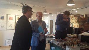 Deel van de CDA fractie in gesprek met Pieter Hogenbirk en Peter Kos.